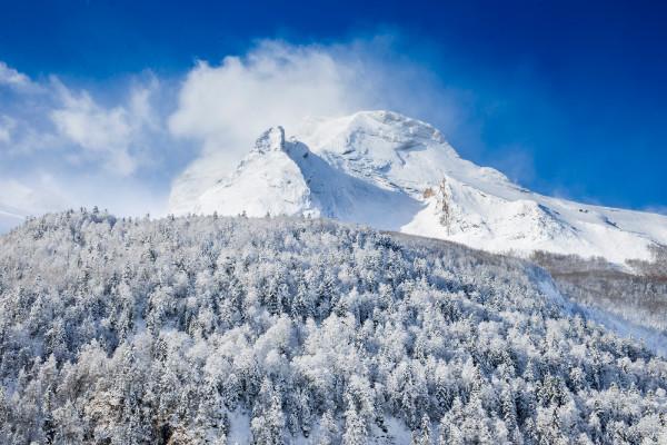 photo montagne enneigée
